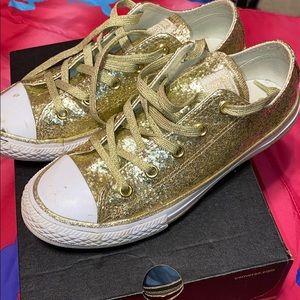 Gold converse
